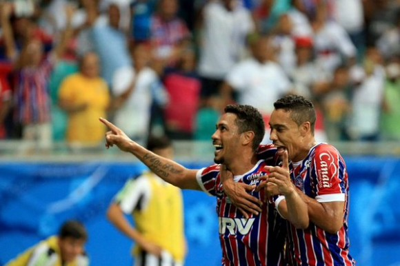 """Contra o Santos, Hernane """"Brocador"""" faz dois gols em sua estreia no Bahia (Foto ECBahia/Divulgação)"""
