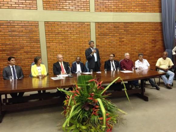 Jerônimo Rodrigues discursa na reunião de trabalho de Murilo (Foto Daniel Thame).