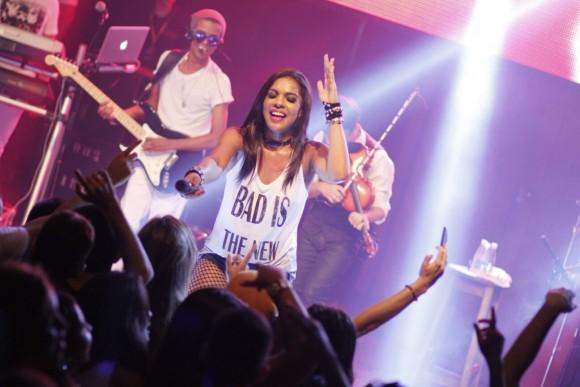 Banda Vingadora é das principais atrações desta noite de sábado (Foto José Silva).