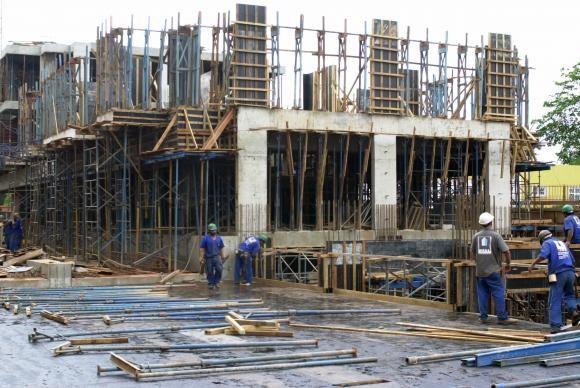 Construção civil registrou fechamento de mais de 500 mil postos de trabalho (Foto A. Brasil).