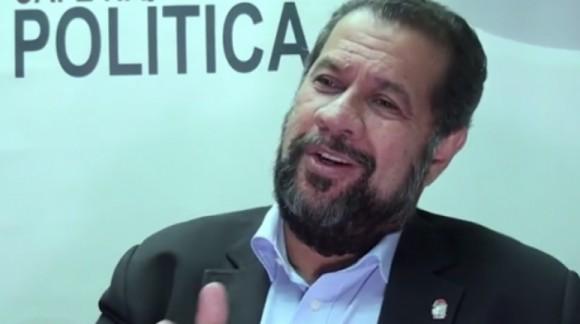 Lupi anunciou posição do PDT contra impedimento de Dilma (Foto Divulgação/PDT).
