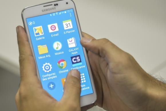 Correios oferecerão serviços de telefonia celular em 2016 (A. Brasil).