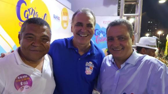 Valmir Assunção (esq.) com o secretário de Turismo, Nelson Pelegrino, e o governador Rui Costa (Foto Tássio Brito).