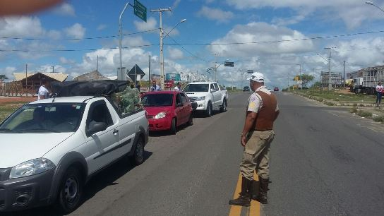 Polícia deu ênfase ao trabalho preventivo, intensificando as abordagens a veículos (foto Assessoria CIPRv/Itabuna)