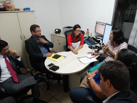 Representantes do MPT, município e Sindserv participaram de audiência (Foto Divulgação).