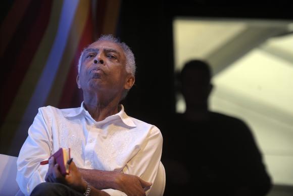 Gilberto Gil após receber alta em maio passado (Foto Fernando Frazão/Agência Brasil).