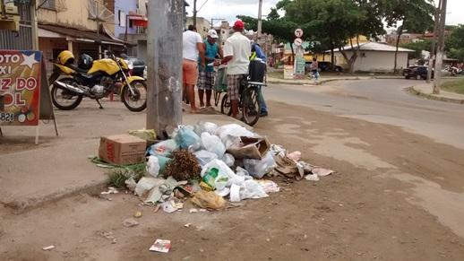 Lixo acumulado no bairro Pedro Jerônimo (foto Josivaldo Dias)