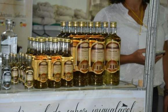 Cachaça Paramirim, produzida no município de mesmo nome, é uma das atrações (foto Hilquias Santos / Secom Ilhéus)