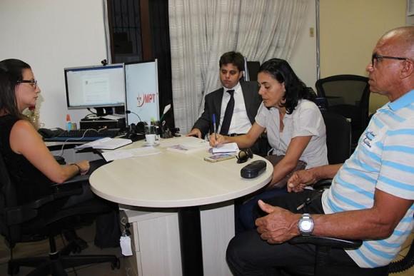 Procuradora Sofia ouve presidente do Sindserv, Wilmaci Oliveira.