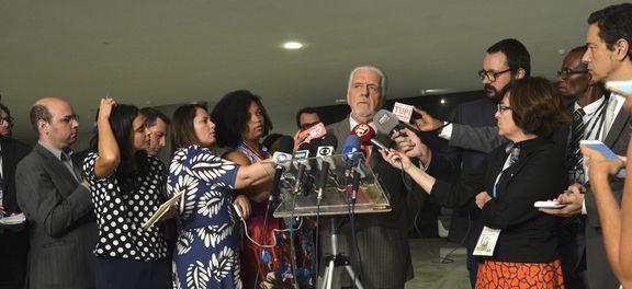 Wagner comenta saída do PMDB do governo e acredita em repactuação (Foto Valter Campanato).