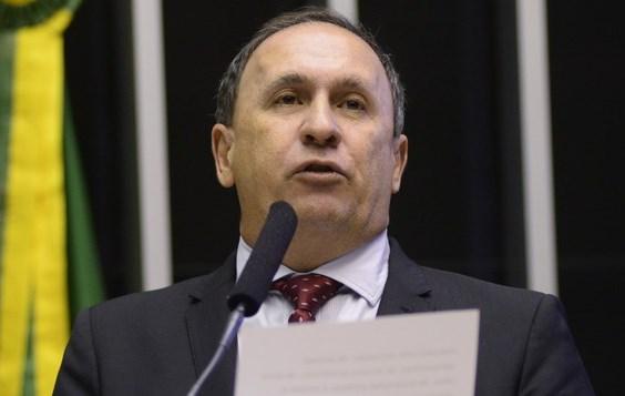 Gualberto: PSDB apoia impeachment.