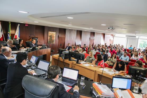 Sessão plenária do TCE desta quinta-feira (Foto Divulgação).