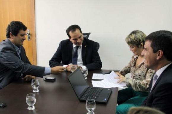 Cedraz, presidente da Embasa, os procuradores Balazeiro e Séfora Char, e o advogado Dagoberto Pamponet (Foto Divulgação).