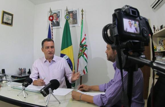 Governador entrega obras em Eunápolis e anuncia policlínica em Guanambi (Foto Manu Dias).