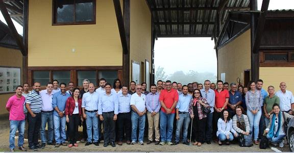 Representantes de entidades governamentais e ONGs conheceram projeto (Foto Viviane Cabral).