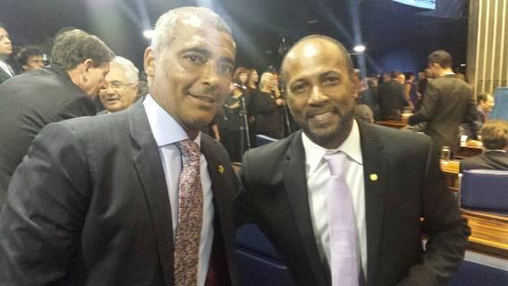 Tabelinha: Bebeto emite parecer favorável a projeto de Romário