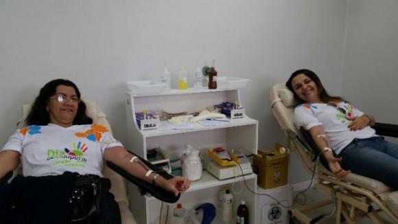 Funcionários de cooperativa se envolvem em campanha por mais doações de sangue (foto Divulgação)