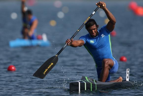 Isaquias fatura medalha inédita para a canoagem brasileira (Foto Divulgação COB).