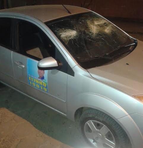 No ataque a vereador,  grupo também tentou destruir veículo.