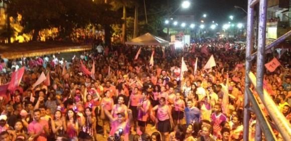Ataque ocorreu durante comício com cerca de três mil pessoas em Ipiaú (Foto Ipiaú Online).
