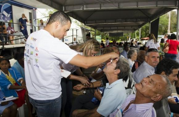 Mutirão oferece serviços gratuitos em outubro.