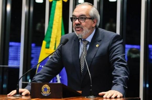 Roberto Muniz propõe eleições gerais em 2022 (Foto Agência Senado).
