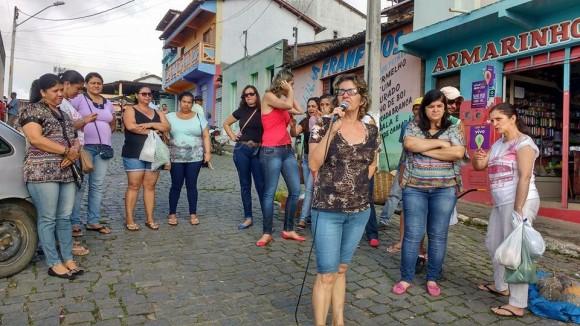 Servidores fazem manifestação na feira de Ibicuí (Foto Sindibicuí).