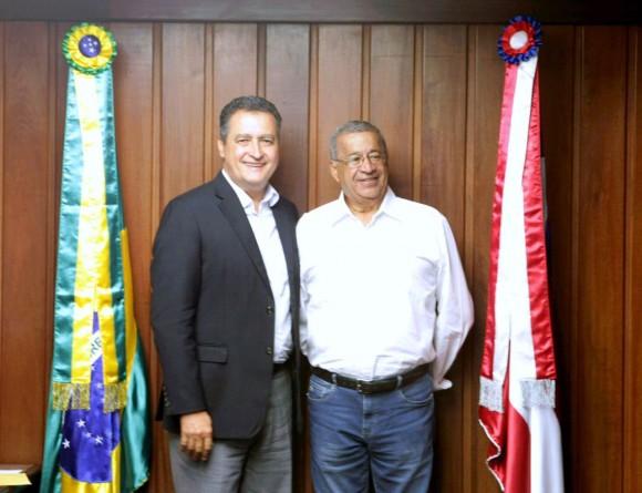 Rui Costa recebe prefeito eleito de Almadina, Milton Cerqueira.