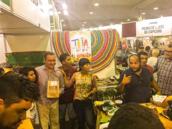 Espaço da Teia dos Povos, na Fenagro, recebe visita de Rui Costa.