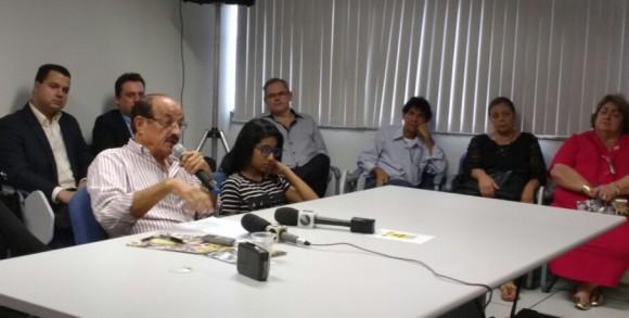 Fernando Gomes durante anúncio do secretariado, há uma semana (Foto Pimenta).