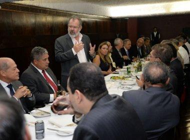 Nilo promoveu encontro com presença de 25 parlamentares, ontem (Foto Divulgação).