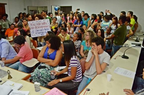 Reunião das comissões técnicas ocorreu sob pressão de funcionários da Tel (Foto Pedro Augusto).