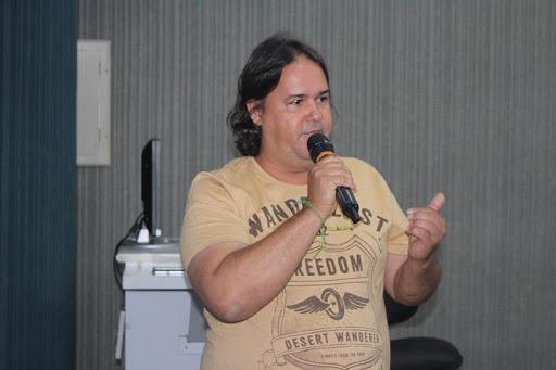 MARÃO QUER ED CAMARGO NA SECOM
