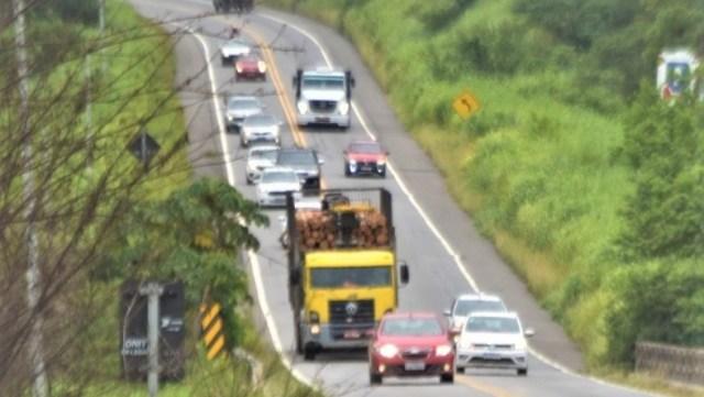 BAHIA: PRF FLAGRA 760 MOTORISTAS ULTRAPASSANDO EM LOCAIS PROIBIDOS