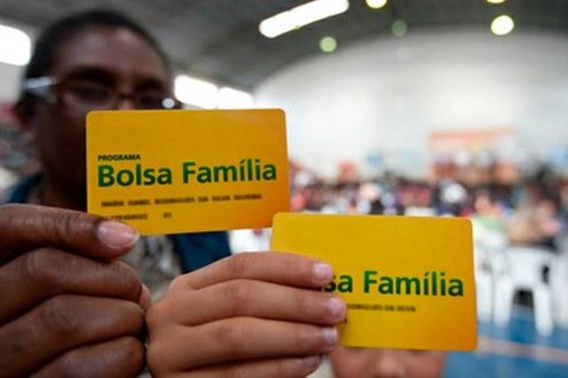 ESTADOS VÃO AO STF QUESTIONAR GOVERNO FEDERAL POR CORTAR BOLSA FAMÍLIA NO NORDESTE