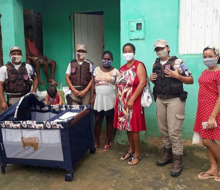 POLICIAIS MILITARES DOAM ENXOVAL COMPLETO PARA GRÁVIDA EM JEQUIÉ