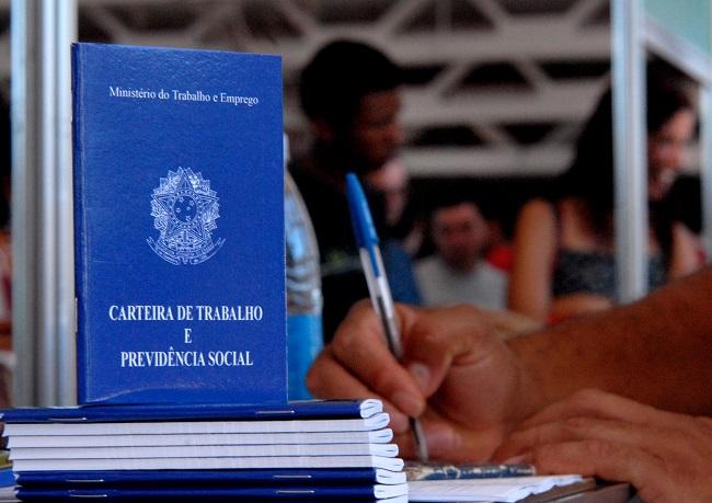BAHIA ABRE 3,1 MIL POSTOS DE TRABALHO COM CARTEIRA ASSINADA