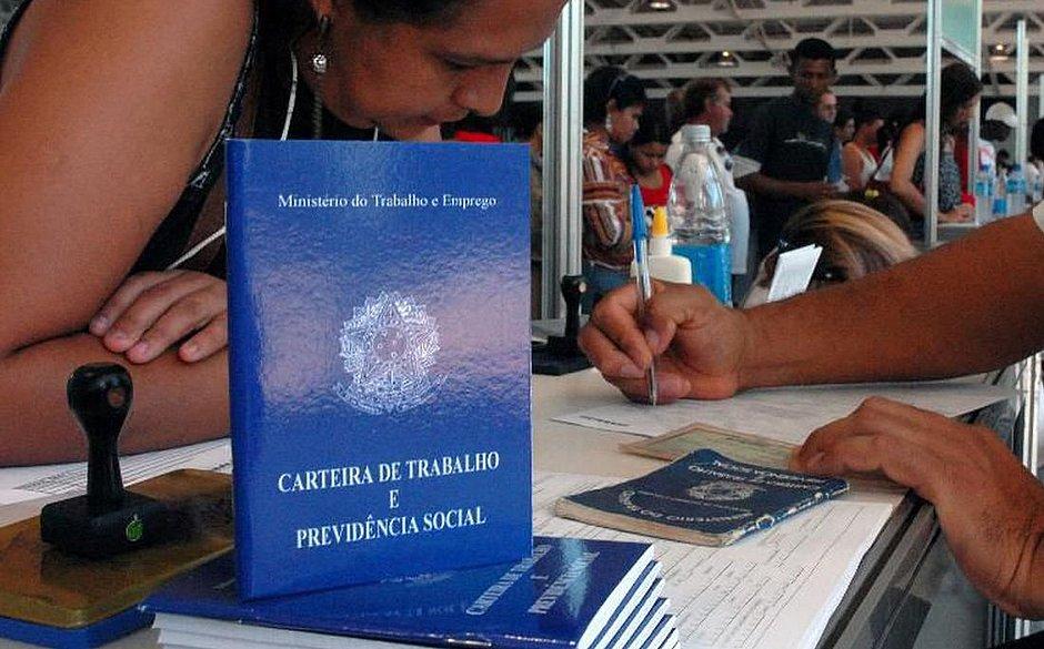 BAHIA GEROU 9.420 EMPREGOS COM CARTEIRA ASSINADA EM AGOSTO