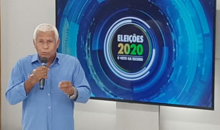 """SEM CITAR NOME, AZEVEDO DIZ QUE ADVERSÁRIO ESPALHA """"PESQUISAS FALSAS"""""""