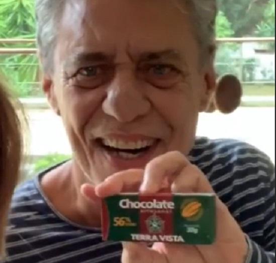 """CHICO BUARQUE SE RENDE AO CHOCOLATE TERRA VISTA: """"QUERO MAIS!"""""""