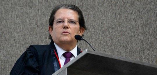 PRESIDENTE DO TRE-BA DETERMINA MEDIDAS MAIS SEVERAS CONTRA AGLOMERAÇÕES