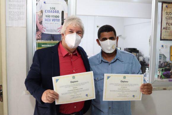 Prefeito Eleito De Ubaitaba, Bêda Almeida (MDB) (à Dir.) E Vice-prefeito Ismaile Mota (PDT) - Foto Aleilton Oliveira