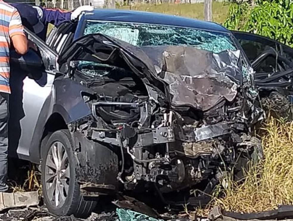 ACIDENTE COM DOIS VEÍCULOS CAUSA TRÊS MORTES NA BA-001