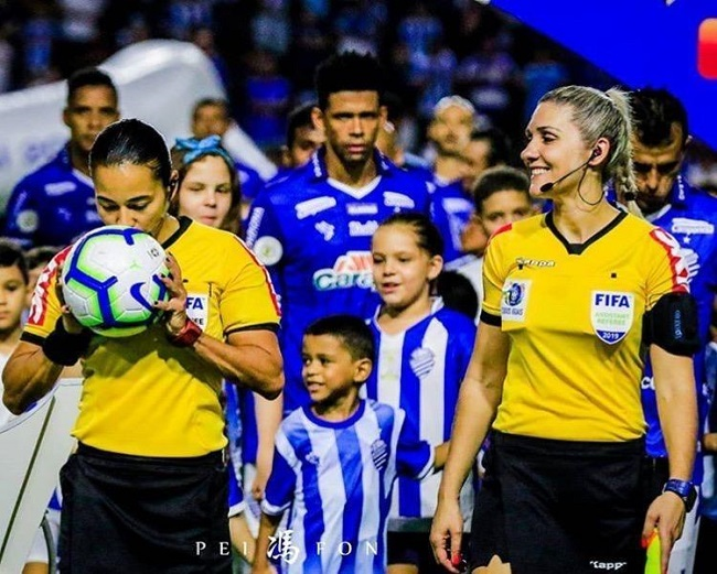EDINA ALVES E NEUZA BACK REPRESENTAM ARBITRAGEM BRASILEIRA NO MUNDIAL DA FIFA