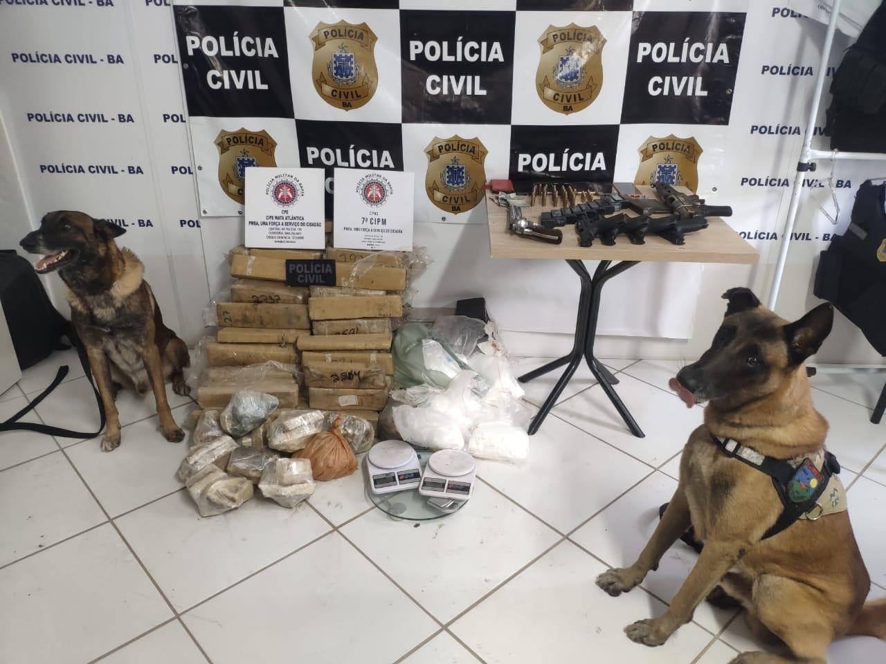CÃES POLICIAIS ENCONTRAM 154 QUILOS DE DROGAS DE QUADRILHA NO SUL DA BAHIA