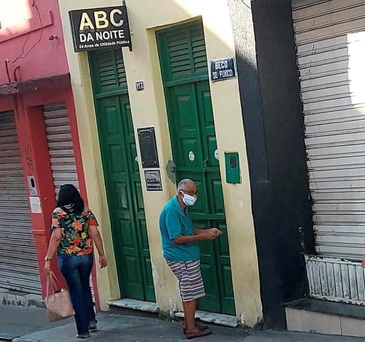 ALUNOS DO ABC DA NOITE EM SALA DE AULA