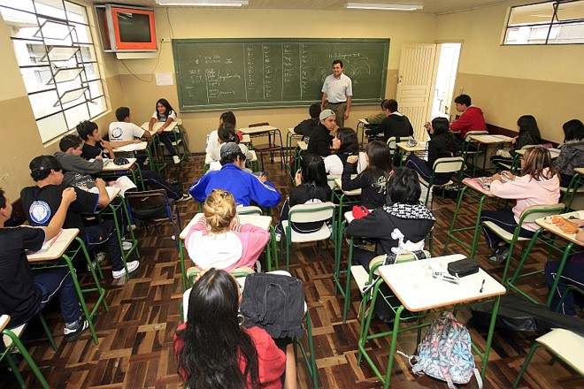 CIB DÁ PRIORIDADE A TRABALHADORES DA EDUCAÇÃO NA FILA DA VACINA
