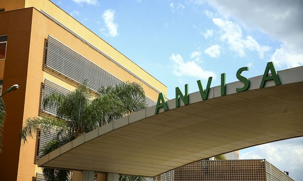 ANVISA AUTORIZA USO EMERGENCIAL DE COQUETEL CONTRA A COVID-19