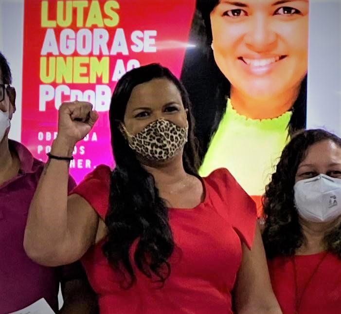 """""""IDENTIFICO-ME COM AS BANDEIRAS DO PARTIDO"""", JUSTIFICA CHARLIANE AO SE FILIAR AO PC DO B"""