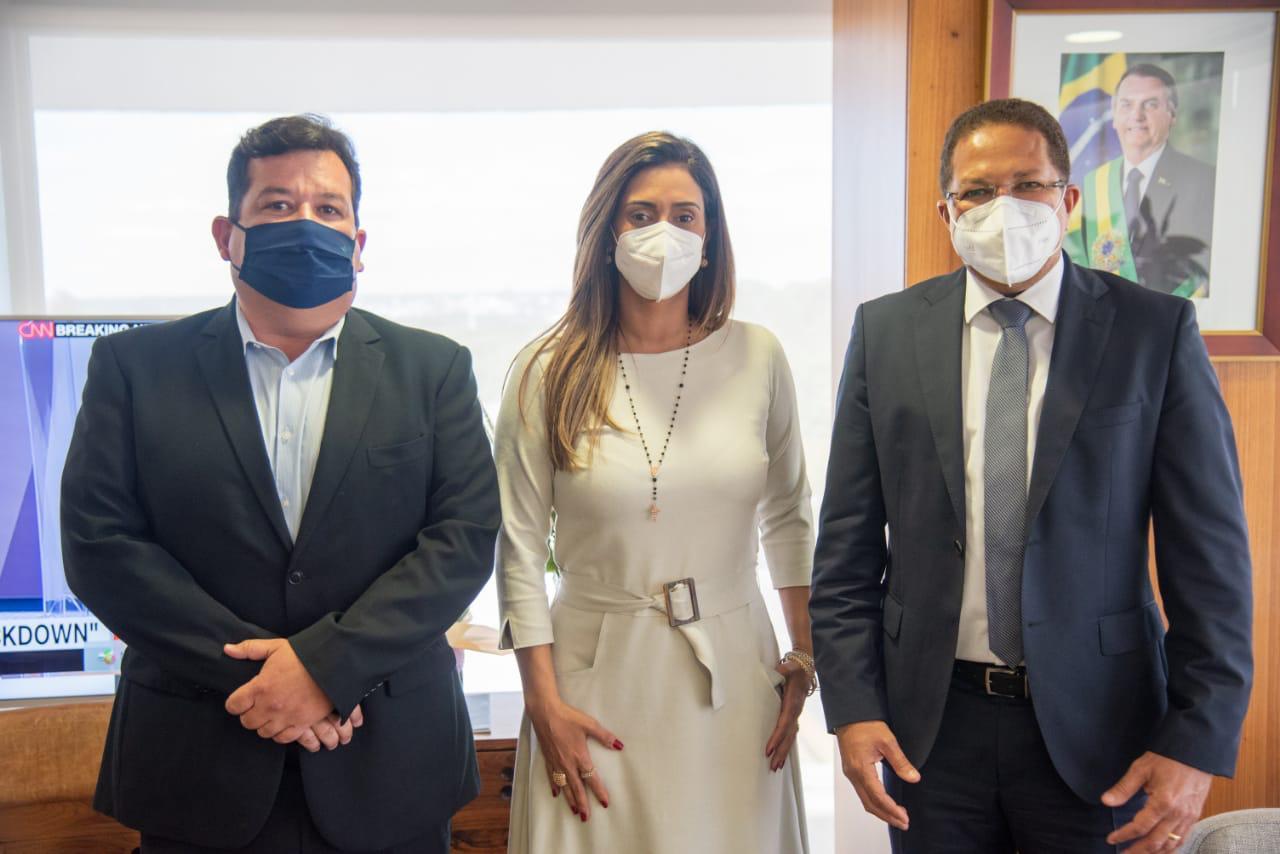 EM BRASÍLIA, AUGUSTO APRESENTA PROJETOS ESTRUTURANTES À MINISTRA DA SECRETARIA DE GOVERNO